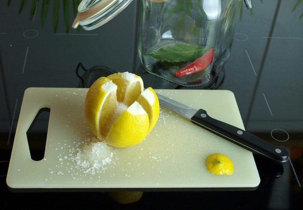 Eingelegte Zitrone Salz Glas Gewürze