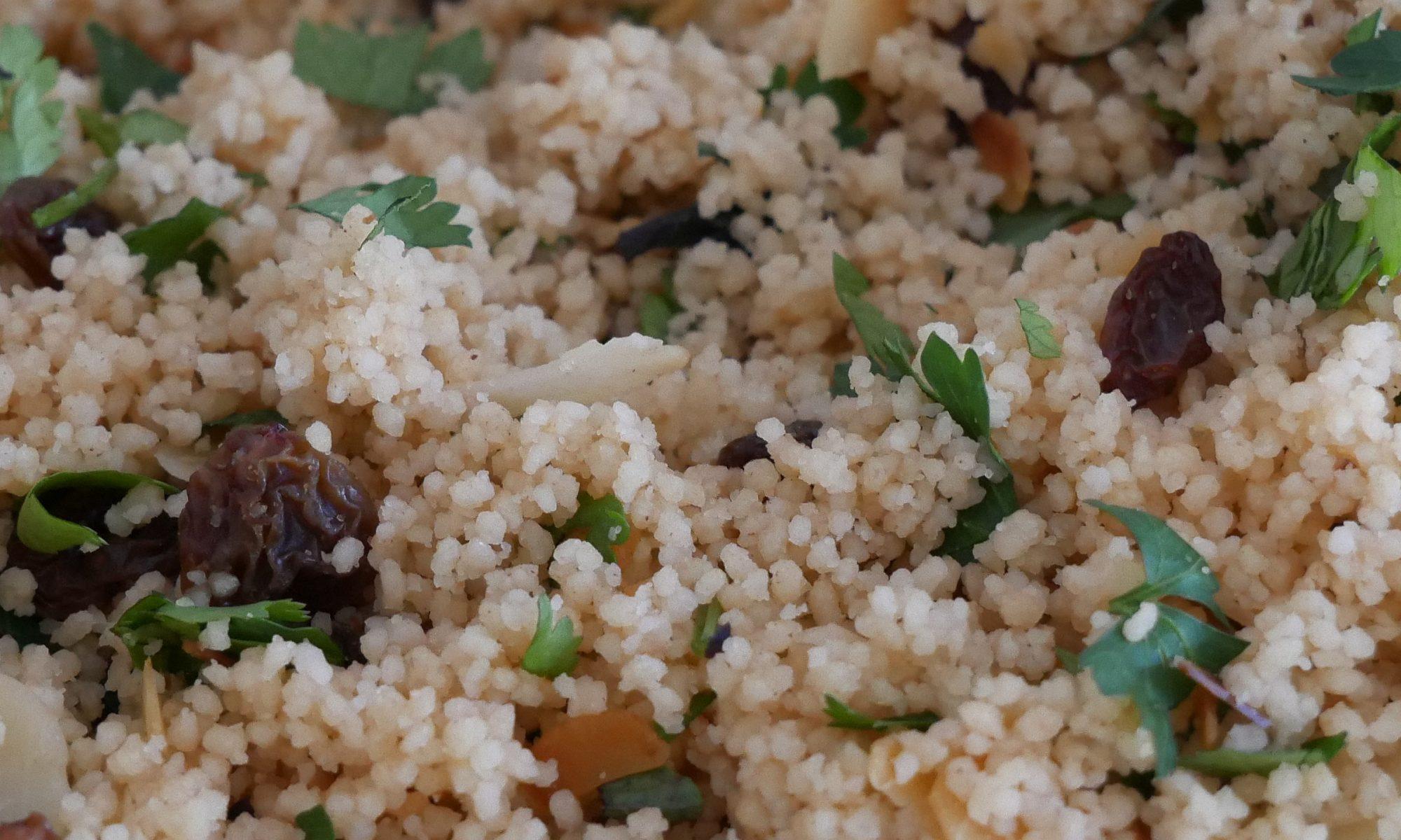 Couscous-Salat Mandeln Rosinen